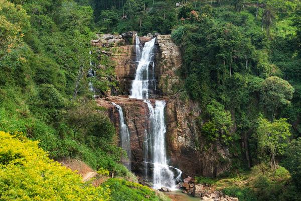 waterfalls of srilanka